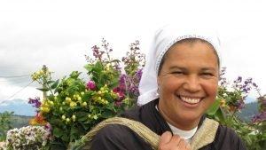 Impuesto vehicular Antioquia pagado por esta mujer