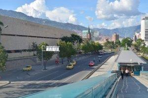 CDA Medellín cerca a la estación