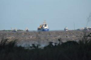 Los comparendos Barranquilla son como este barco entrando a Barranquilla